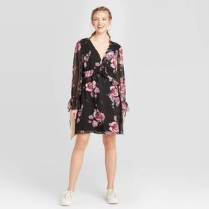 Floral Print Long Sleeve V-Neck Mini Dress Medium